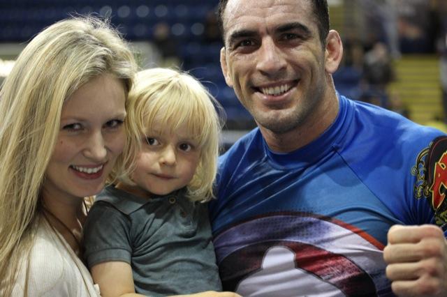 Para o Carcará, Jiu-Jitsu é um esporte para toda a família. Foto: Daren Bartlett.