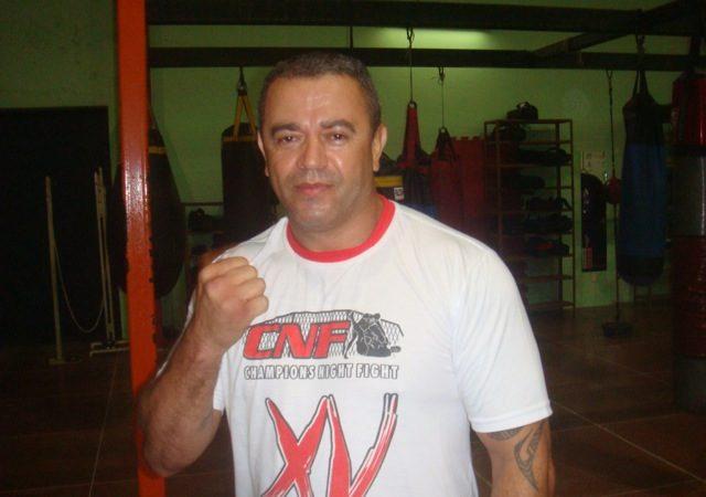 Mestre ensina o MMA brasileiro no Irã