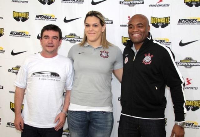 Mais perto do MMA? Veja Gabi Garcia afiando seu boxe pela 1ª vez
