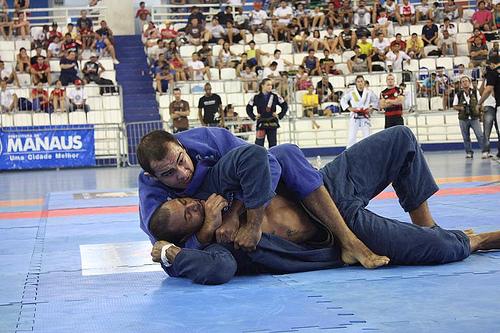 Bernardo já pensa em 2012, mas ainda luta em Floripa