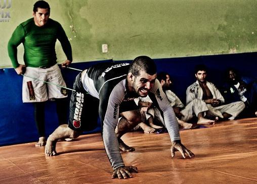 Rodolfo Vieira e Michael Langhi malham para valer