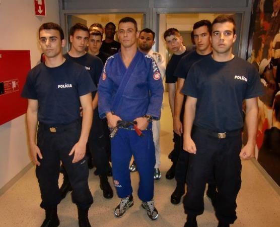 Sergio Vita teaches Portuguese police