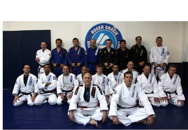 Roger Gracie ends year with seven new black belts