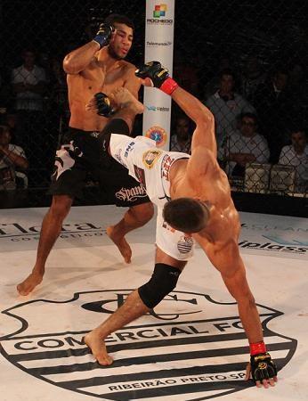 MMA: Seria este o pior golpe de muay thai da história?
