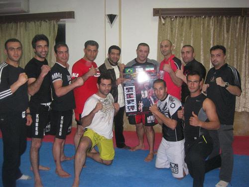 MMA brasileiro mexe com o Irã