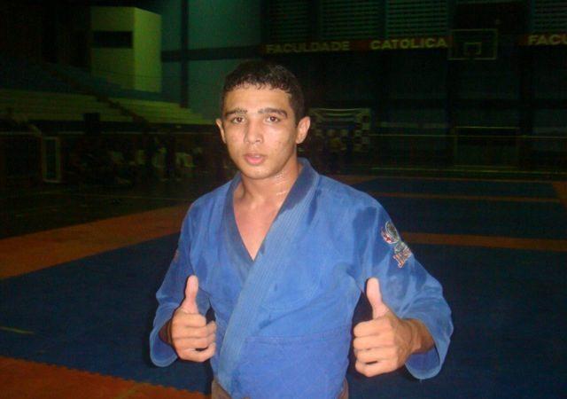 Fera do Jiu-Jitsu potiguar torna-se aposta para 2012 no MMA