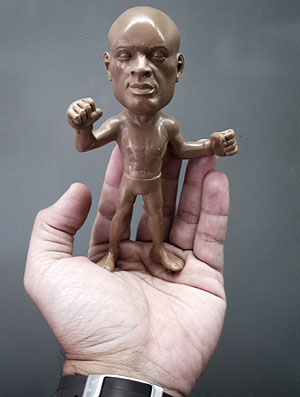 Anderson Silva miniature produced by Corinthians takes shape