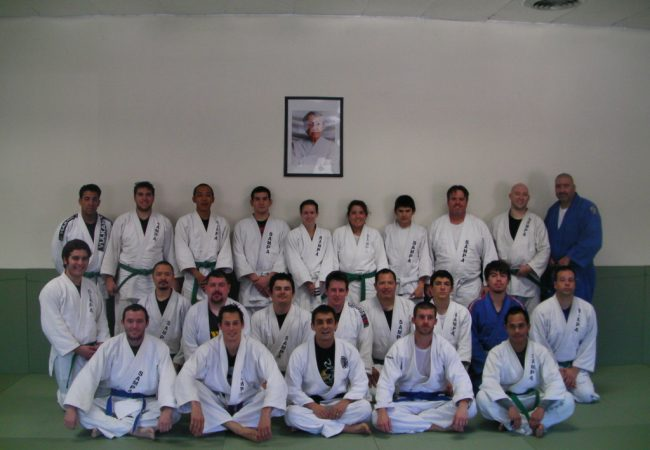 Learn a No-Gi pass with Sampa BJJ