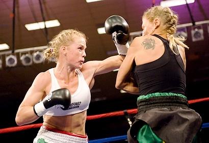 Após treinar com Jones, beldade cai no boxe