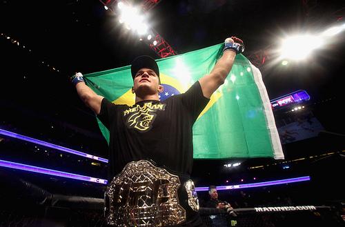 UFC prepara festança de fim de ano com Cigano vs Velasquez e muito mais