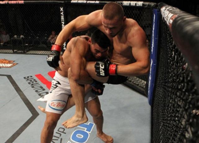 O potiguar busca a 16ª vitória na carreira. Foto: UFC.
