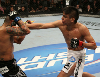 Miguel Torres tem mãos rápidas em pé e um Jiu-Jitsu afiado como poucos no UFC. Foto: Josh Hedges.
