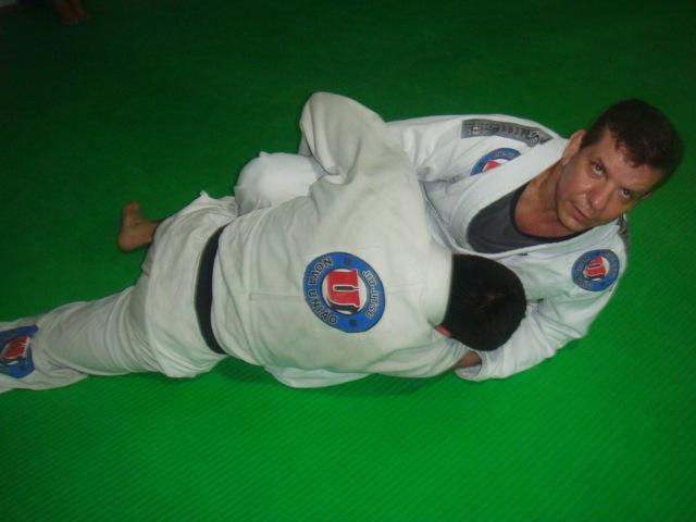 Dedé Pederneiras ensina a surpreender o passador de guarda no Jiu-Jitsu esportivo. Foto: Junior Samurai.