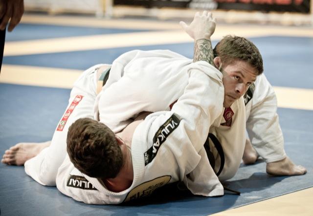 Flavio Almeida cai por cima e confere o placar no Las Vegas Open de Jiu-Jitsu.