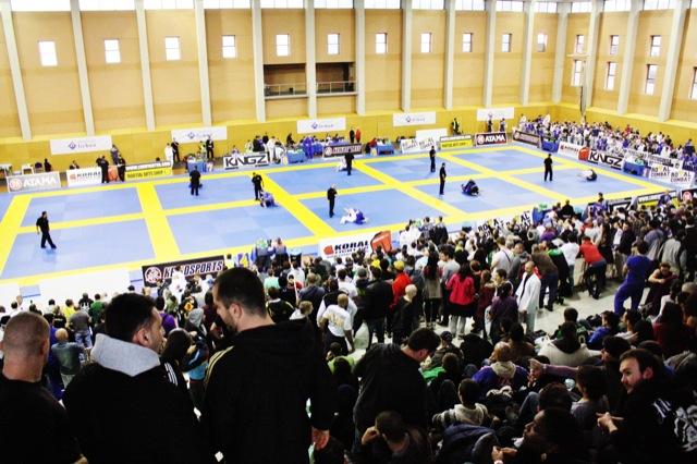 Foto panoramica do ginásio Casal Vistoso em Lisboa no Europeu de Jiu Jitsu