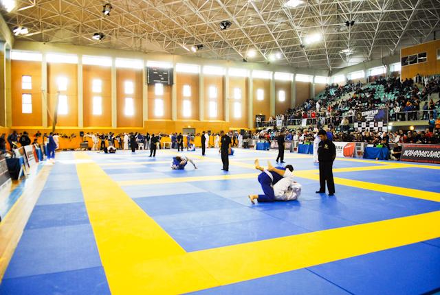 Imagem panorâmica do ginásio Casal Vistoso durante o Europeu de Jiu-Jitsu 2011. Foto por Ivan Tridade.