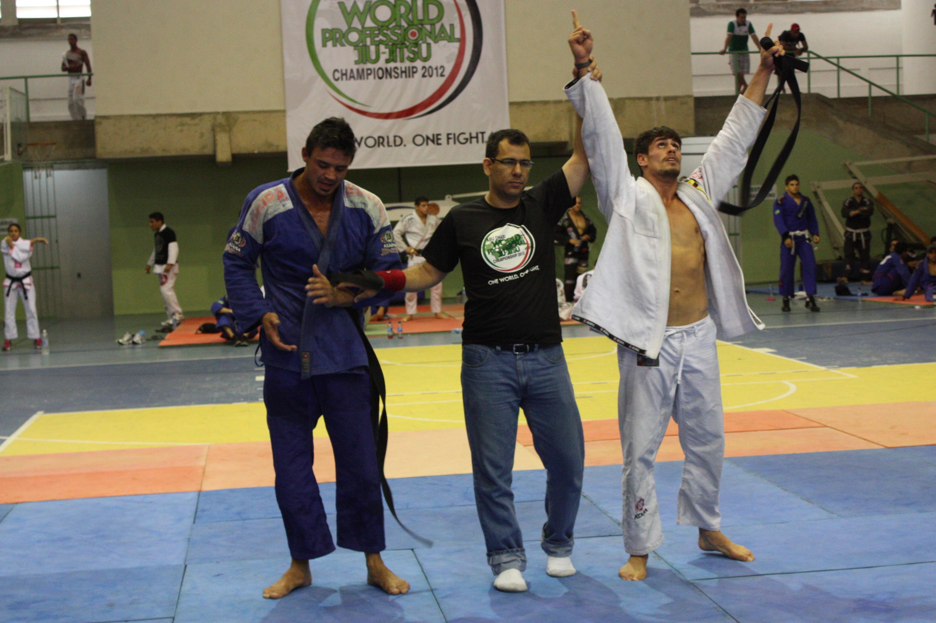 Gabriel Willcox comemora. Foto: Carlos Ozório