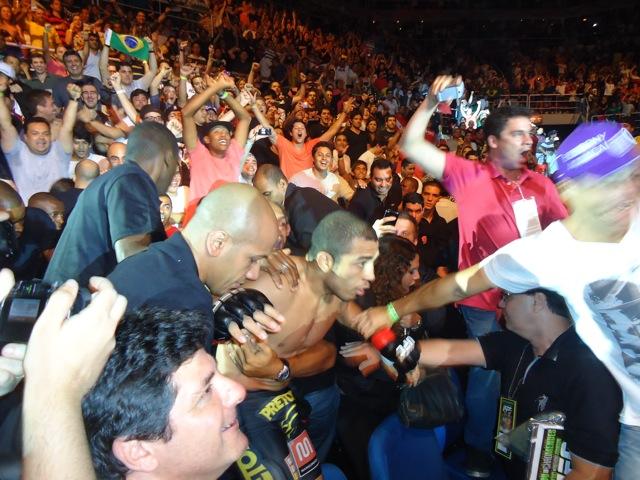 Jose Aldo em seguranca no UFC 142