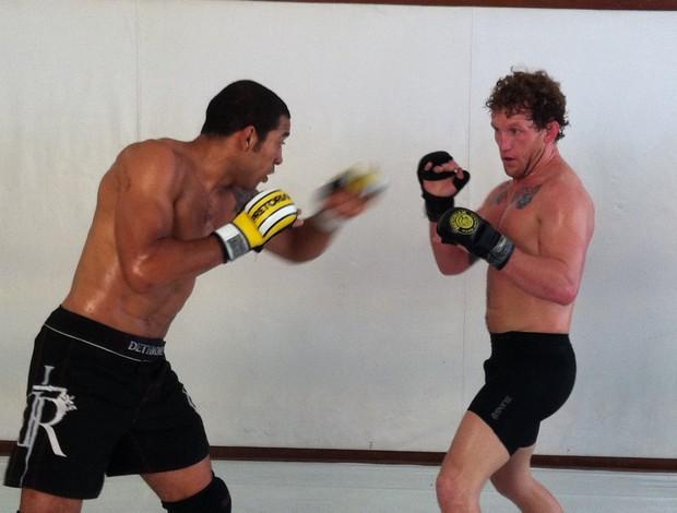 Jose Aldo treina com Gray Maynard antes do UFC 142 por Ana Hissa