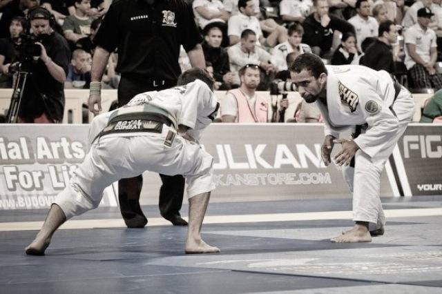 Samuel Braga nem pisca antes de luta entre os plumas no Mundial de Jiu-Jitsu 2009. Foto por Regis Chen