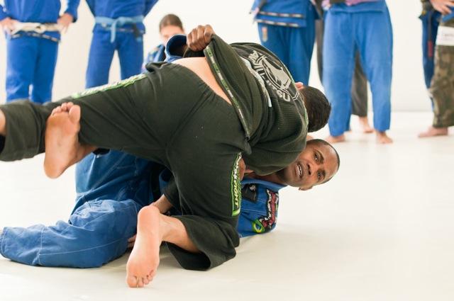 Terere raspando de gancho no Jiu-Jitsu