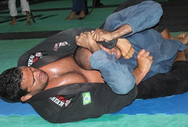 Campeão de Jiu-Jitsu, Thiago Gaia organiza evento com R$ 4 mil em prêmios