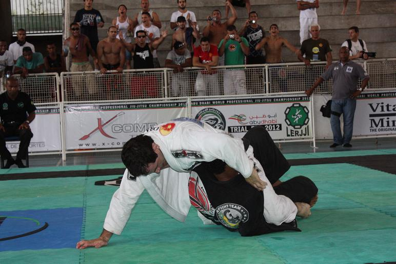 Adriano rallied back and beat Vitor Henrique. Photo: Carlos Ozório.