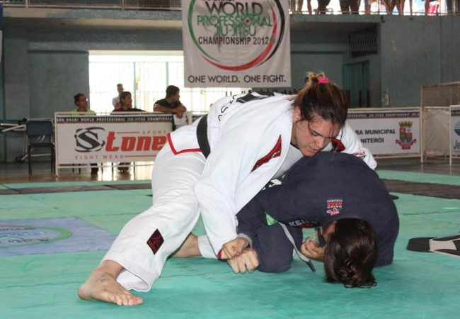 Gabi na seletiva do Rio de Janeiro para Abu Dhabi: ela segue invencível no Jiu-Jitsu. Foto: Carlos Ozório.