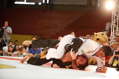 O torcedor escolhe quem enfrenta Guto Campos na Copa Pódio de Jiu-Jitsu