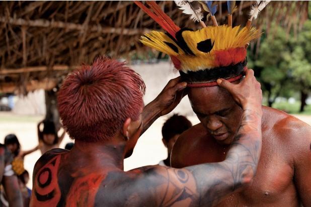 Anderson Silva entre os índios: treino, teste válido ou brincadeira fora de hora?