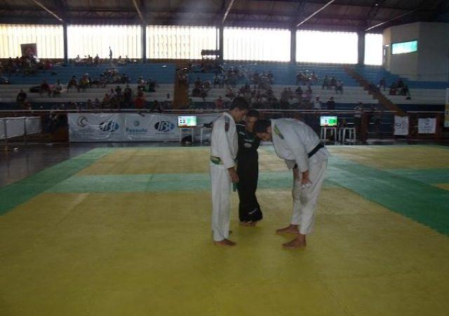 Ceará Open absolute champ shares secret to winning kneebar