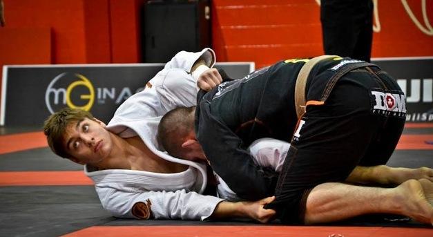 A faixa-marrom é o celeiro dos futuros astros do Jiu-Jitsu, como Gianni Grippo. Foto: Mike Calimbas.