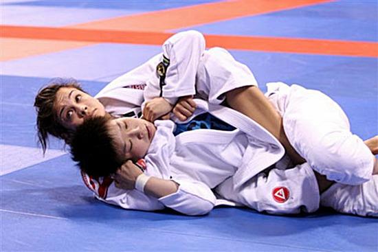 Kyra Gracie segue aposentada no Jiu-Jitsu, mas não nega migração para o MMA. Foto: Arquivos  GRACIEMAG