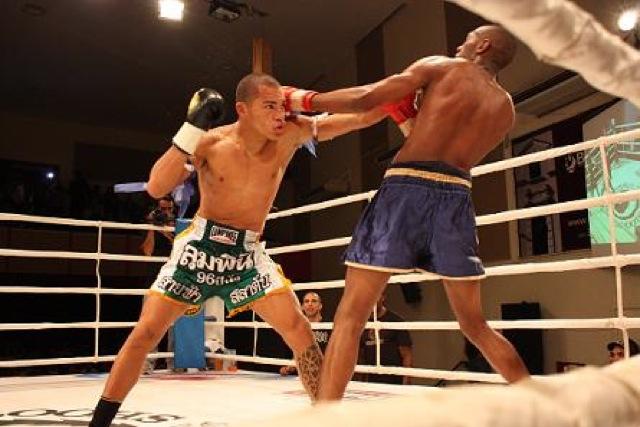 Watch Nogueira bros' bantamweight understudy in action