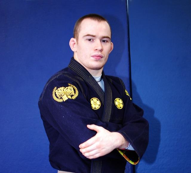 O jovem faixa-preta de Jiu-Jitsu Oliver Geddes, em foto de Callum Medcraft.