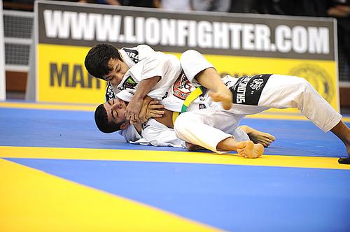 Paulo Miyao rumo ao ouro no Europeu Jiu-Jitsu 2012