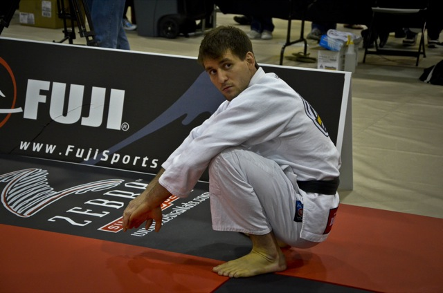 Rafael Mendes aquece antes de luta de Jiu-Jitsu no Houston Open 2012