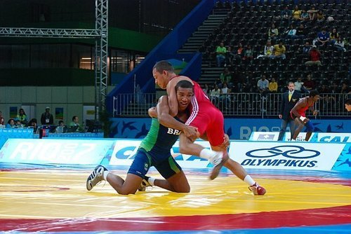 Let Raoni show you how to take down and finish