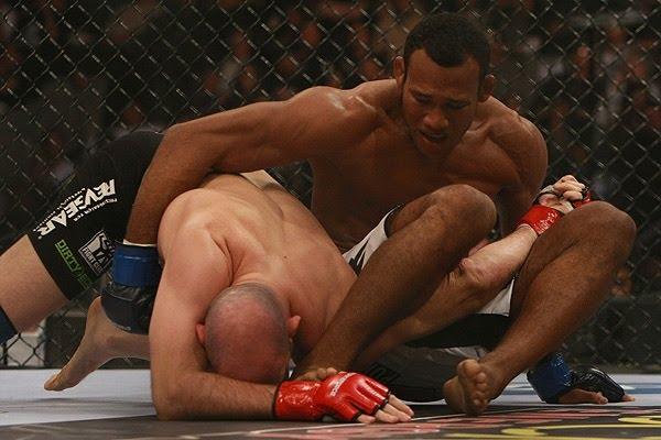 """Jaca fala de Roger em sua divisão no MMA: """"Lutaria, mas já provamos tudo de kimono"""""""