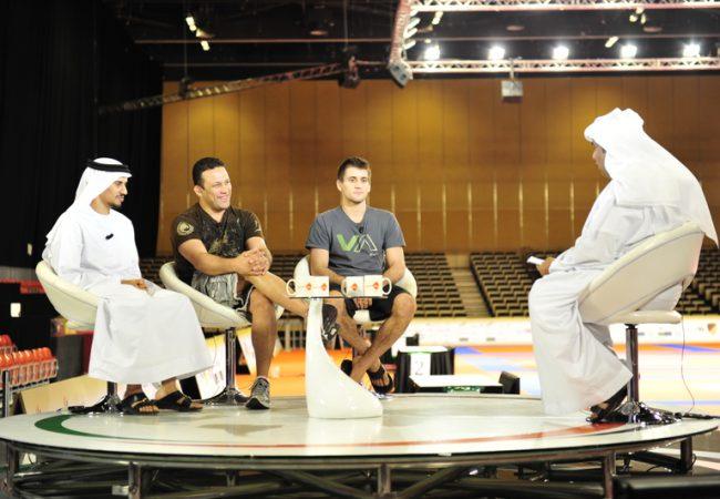 Os astros Renzo Gracie e Rafael Mendes sendo entrevistados durante o último World Pro. Abu Dhabi virou um grande pólo do Jiu-Jitsu mundial.