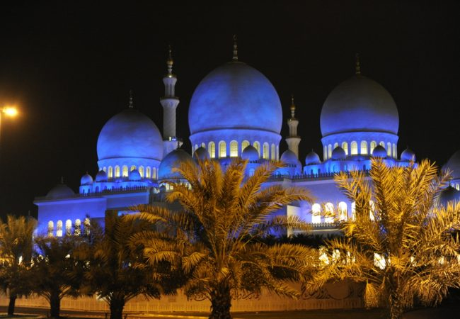 Sheikh Zayed Mosque, one of the beautiful landmarks of Abu Dhabi