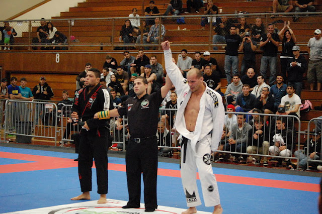 Xande Ribeiro defeated Andre Galvão in the absolute