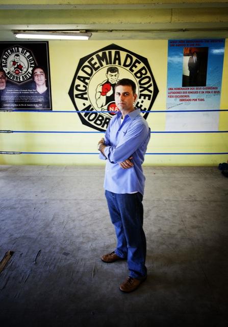 """Fellipe Awi, autor de """"Filho teu não foge à luta"""", a saga do MMA no Brasil. Foto: Leo Aversa"""