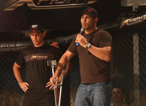 Os irmãos Nogueira, faixas-pretas de Jiu-Jitsu do UFC, em foto do GRACIEMAG.