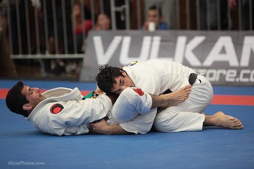 Kron Gracie contra Beneil Dariush na Seletiva de Jiu-Jitsu de San Diego. Foto: Alicia Anthony.