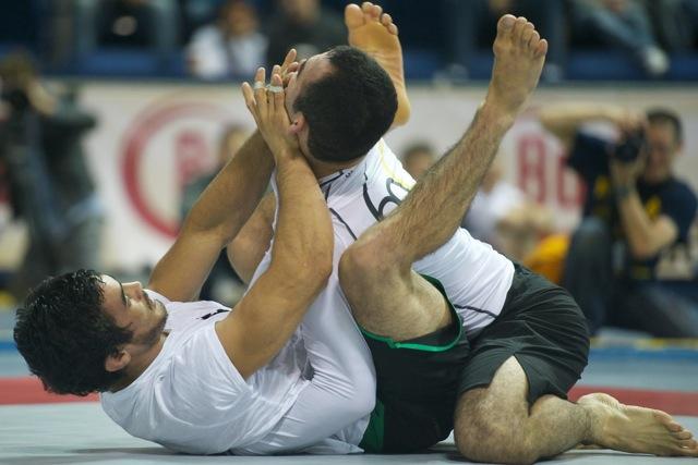 Kron Gracie contra Marcelo Garcia no ADCC 2011. Foto: John Lamonica/GRACIEMAG.
