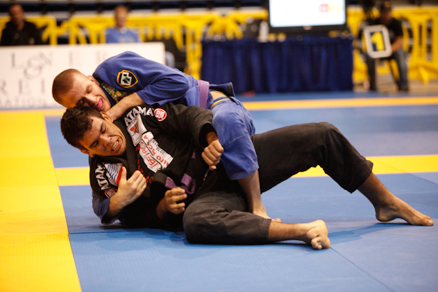 Pan Jiu-Jitsu: Cornelius subs seven, former model owns the blue belt