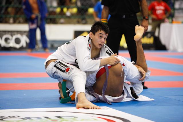 Paulo Miyao fora da luta pelo ouro do roxa -64kg