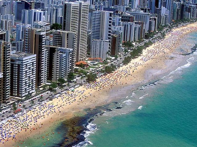 Praia de Boa Viagem cenario de Recife e terra do bom Jiu Jitsu