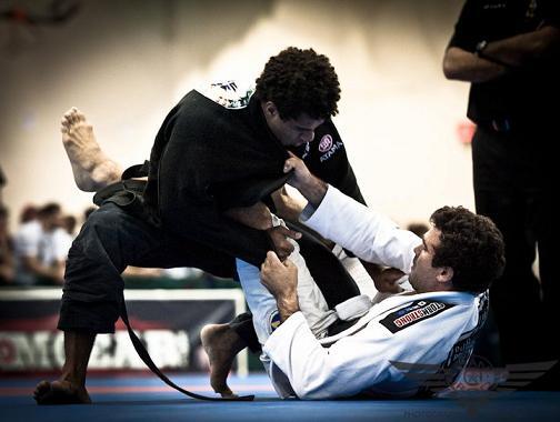 Vitor Henrique joga por cima no Jiu-Jitsu Foto por Dan Rod